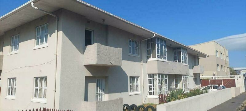 1 Bedroom Apartment To Let in Claremont