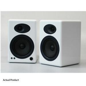 Audioengine-A5-White-Speakers-Active-Bookshelf-Desktop-Compact-Immaculate