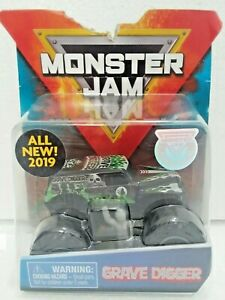 Grave-Digger-Over-Cast-2019-Spin-Master-Monster-Jam-1-64-Scale-Diecast-Truck