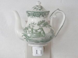 Hand Painted Maiden at a Well Decorator Porcelain Tea Pot Plug-In Night Light