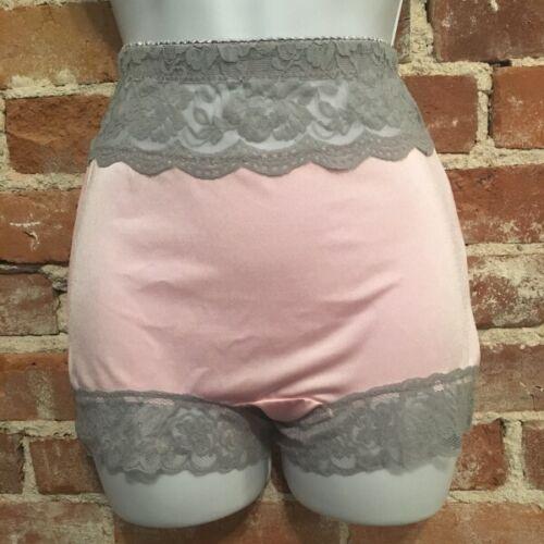 Rhonda Shear Pink /& Grey Lace Trim Pin-Up Retro Style Panty Panties New