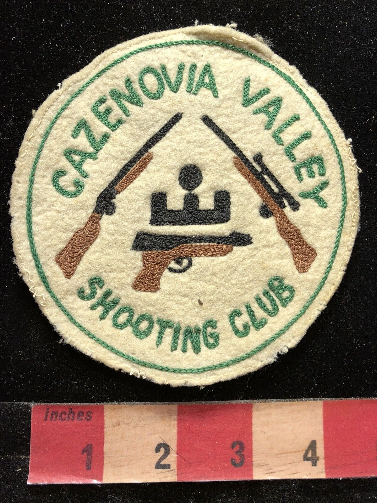 Vtg New York CAZENOVIA VALLEY SHOOTING CLUB Patch Rifle Pistol Gun Firearm  83E1