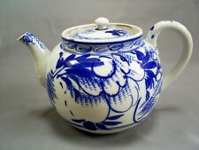 LOVELY ANTIQUE CHINESE EXPORT BLUE & WHITE HANDPAINTED PORCELAIN TEAPOT