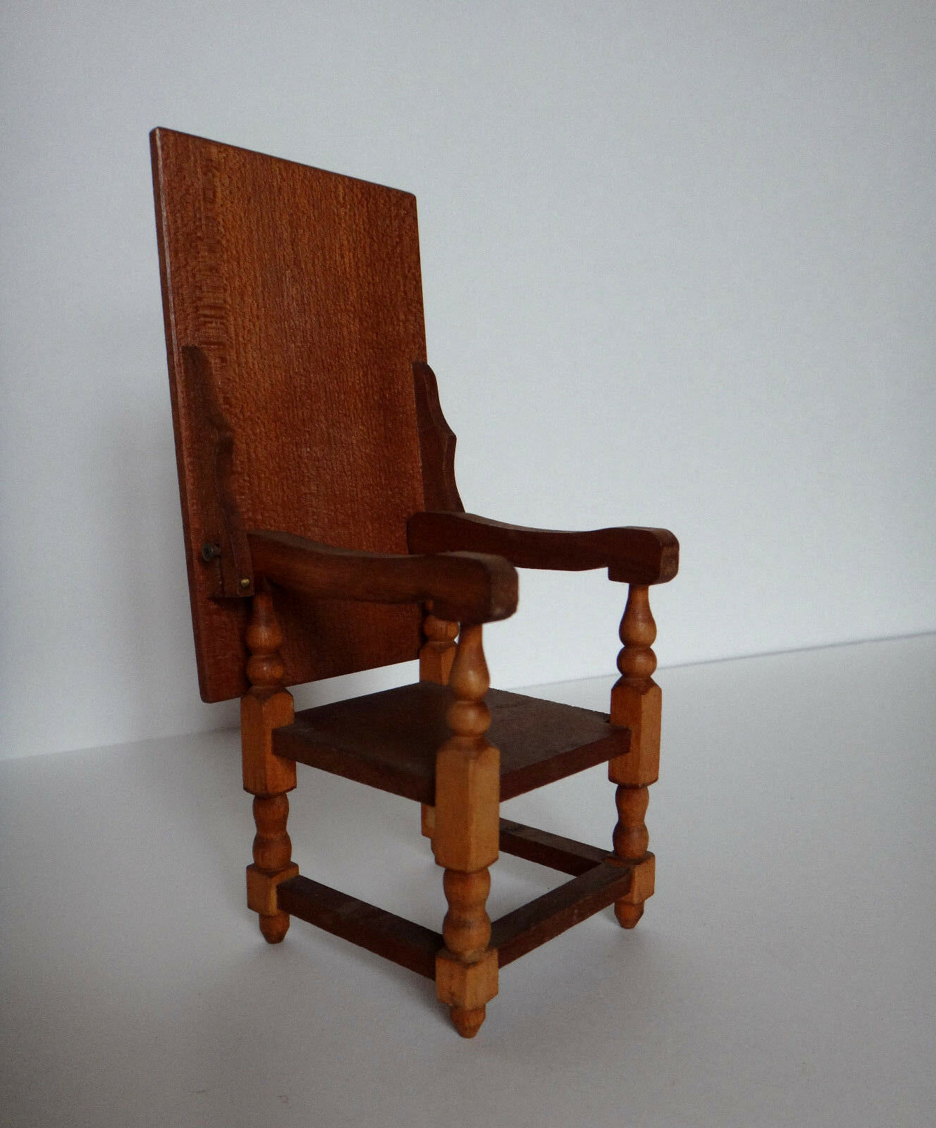 Vintage Wooden Doll House ConGrünible Chair turns to Table Dollhouse