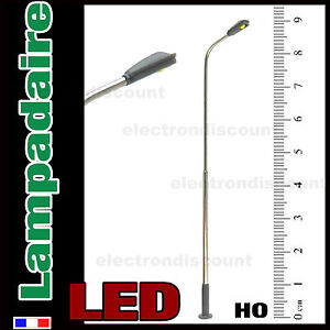 S301-Lampadaire-simple-courbe-HO-a-LED-CMS-eclairage-blanc-belle-finition