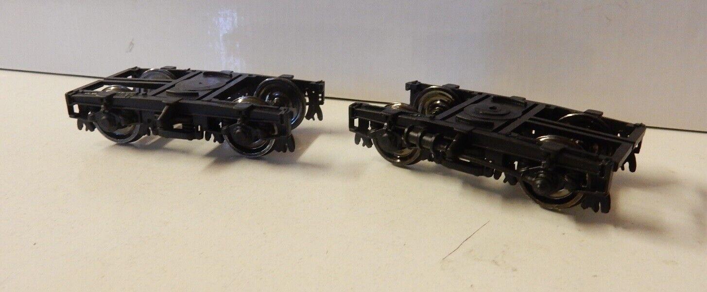 Kiss  2 neue Drehgestelle für Mitteleinstiegswagen   Spur 0   1 45 , letzte Paar