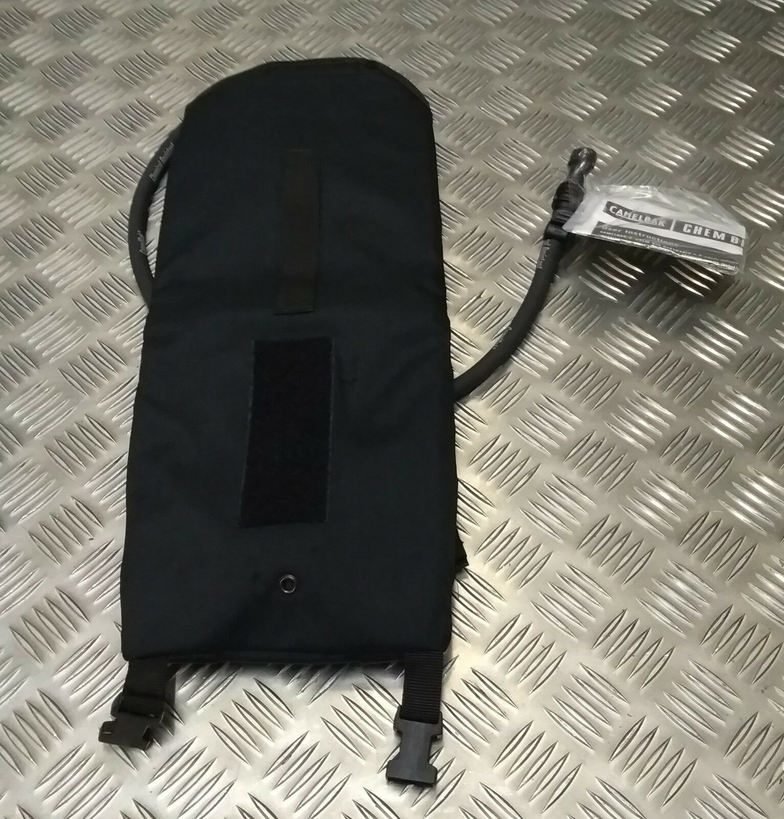 Genuine British Military/Police Special Forces Forces Forces Issue Camelbak Bag & Bladder NEW a8560c