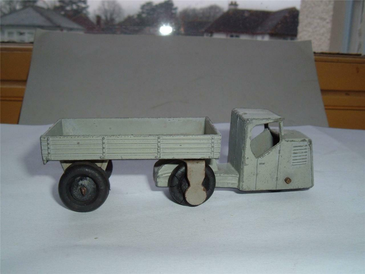 DINKY TOYS MECHANICAL HORSE & TRAILER IDEAL IF NEEDED VINTAGE SEE PHOTOS