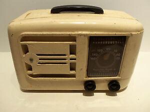 Vintage-1946-Emerson-Model-522-Vintage-Art-Deco-Bakelite-Tube-Radio-w-Plug