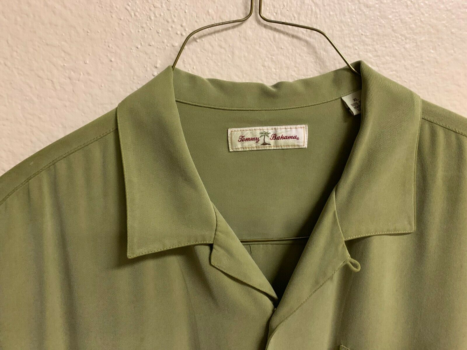 Green Tommy Bahama 100% Silk Shirt - image 4