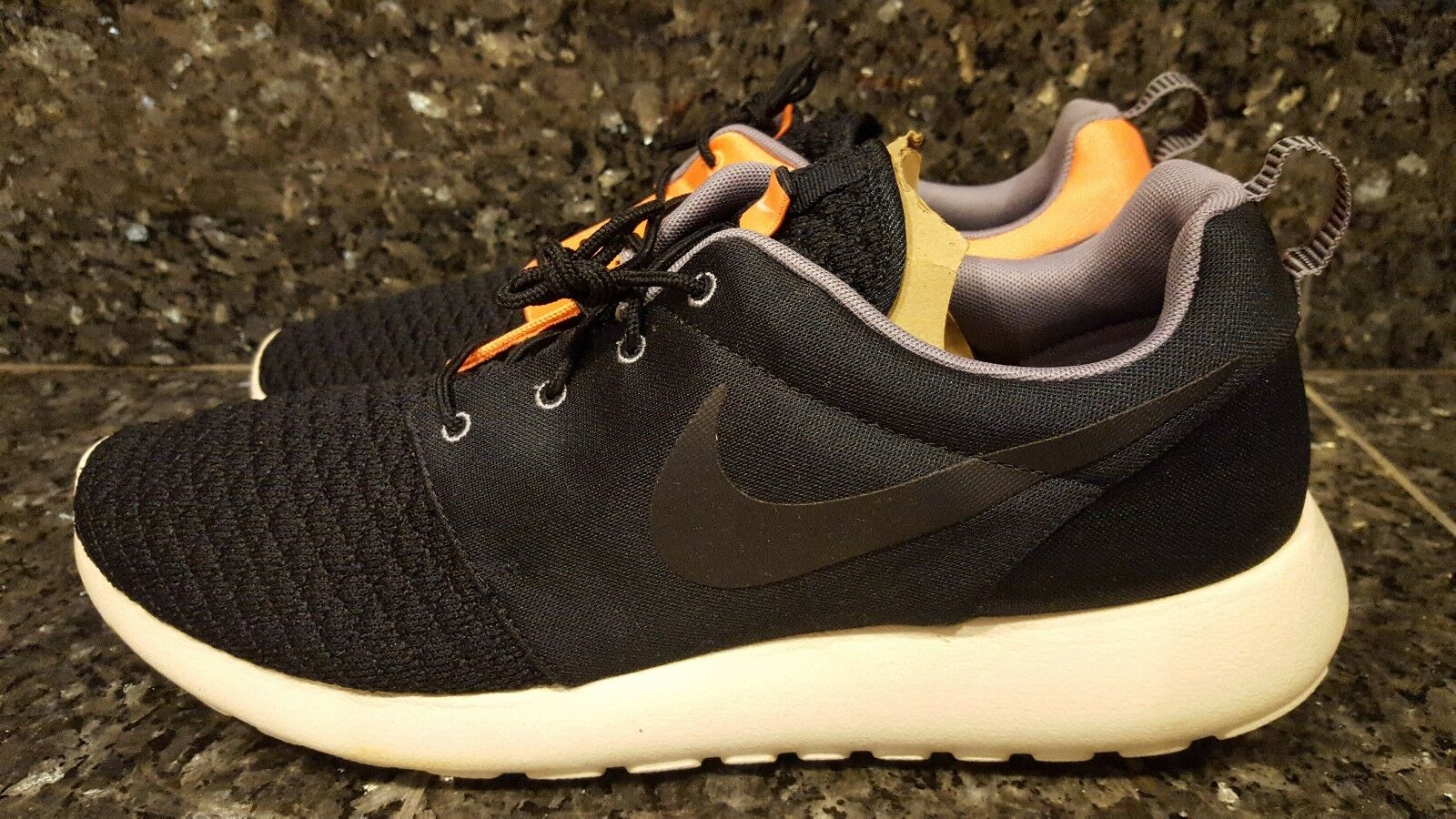 New Men's NIKE Rosherun Premium - 525234 448 Dark Obsidian/Atomic Orange *Rare*