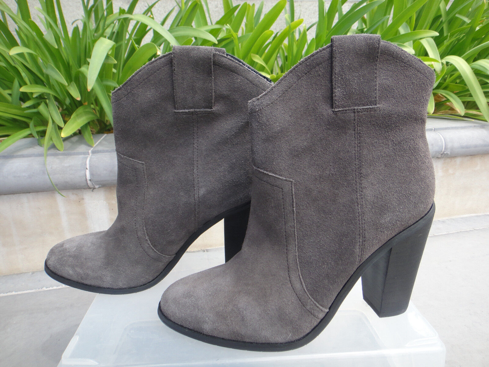 Kenneth Cole NEU York SPARTA Asphalt Suede Boot Bootie Wmns Sz US7.5, MSRP159
