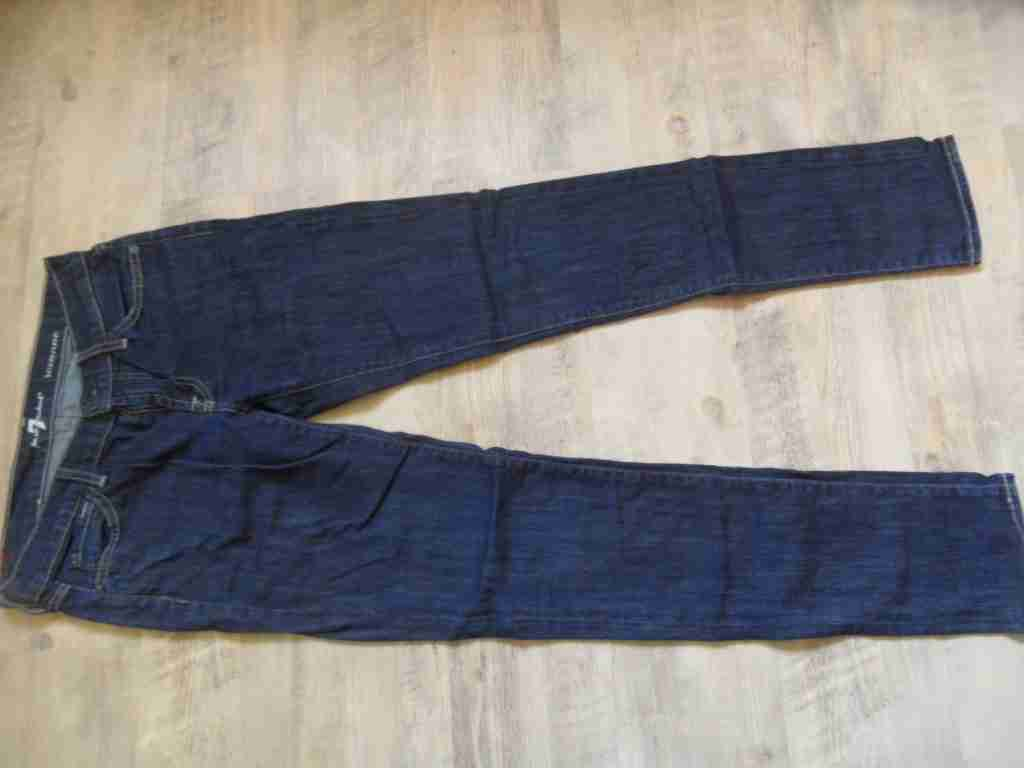 SEVEN FOR ALL MANKIND coole dunkle Jeans ROXANNE Gr. 27 NEUw.  BI417