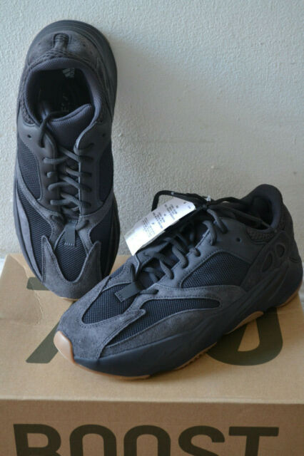 timeless design ca84d d3c01 DS Adidas Yeezy Boost 700 Utility Black Wave Runner Gum Fv5304 Kanye West  Sz 11