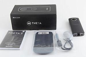 Ricoh THETA S Vollsphärenkamera Full-HD-Video 8GB lichtstarkes Objektiv