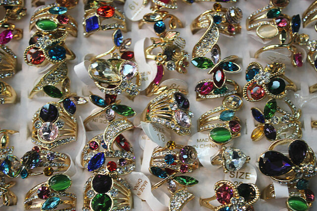 New Style Wholesale Lots 30pcs Crystal Rhinestone Gold Plated Pretty Lady's Ring