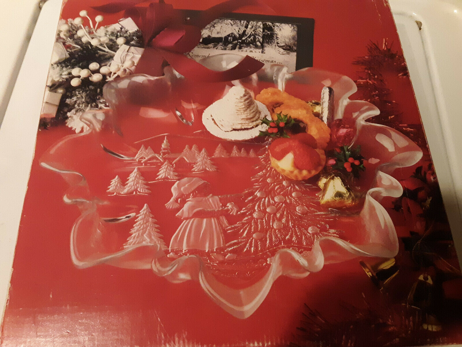 Highly Collectible Mikasa Germany Frosted Crystal Bonbon Serving Dish  Candy Tray Shaped as Santa/'s Boot in Original Box FREE SHIPPING C25