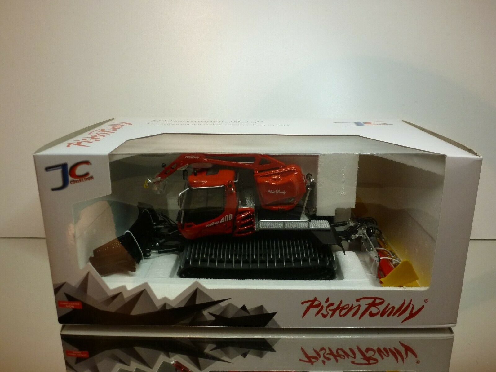 JC COLLECTION PISTENBULLY PISTEN BULLY PB400 - rouge 1 32 - UNUSED IN UNOPENED BOX