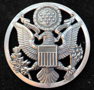 REGULATION-ENLISTED-CAP-HAT-BADGE-MADE-IN-US-AIR-FORCE-HIGH-RELIEF-EAGLE-PIN-UP