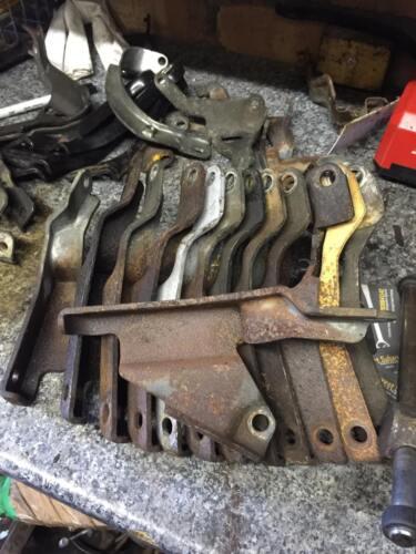 Subaru Impreza 2.0 2.5 97-07 exhaust manifold bracket Upper Pipe