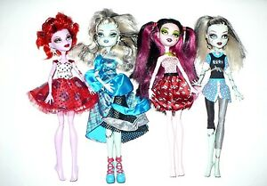 4-MATTEL-MONSTER-HIGH-DOLLS-LOT-VERY-NICE-CONDITION