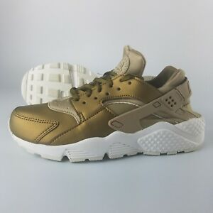 Details about Nike Air Huarache Run TXT Premium Womens Shoes Khaki Metallic Field Summit White