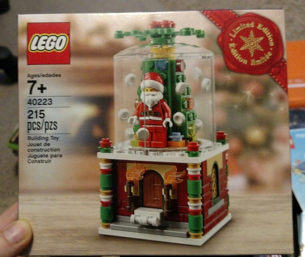 Lego Holiday 2016 Santa Snowglobe 40223 Limited Edition NEW UNOPENED