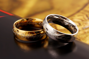 Mens-Lord-Vintage-Stainless-Steel-Rings-Bilbo-039-s-Hobbit-Ring-Gold-Silver-Band