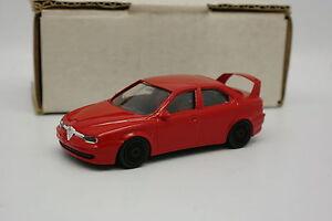 Transkit-Base-Burago-1-43-Alfa-Romeo-156-GTA-Rouge-Roues-Noires