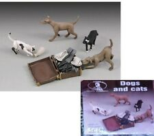 a ROYAL MODEL 1:35 - DOGS and CATS - CANI e GATTI