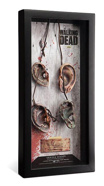 A la venta con descuento del 70%. The Walking Dead Prop with with with Actor Signature Replica Daryl Dixon Ear Gentle Giant  mejor servicio