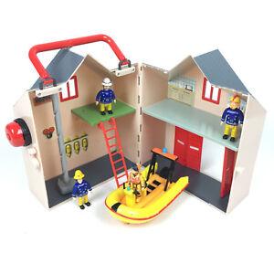 Sam-Le-Pompier-Caserne-De-Pompier-3-Personnage-Bateau-Zodiac