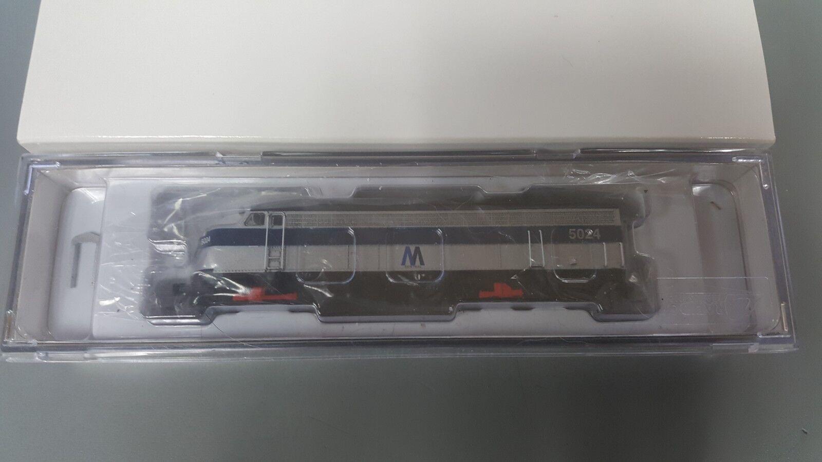 BRAND NEW N SCALE RAPIDO RAPIDO RAPIDO TRAINS 15046 EMD FL9 MTA DC DCC READY NEW 819ae7