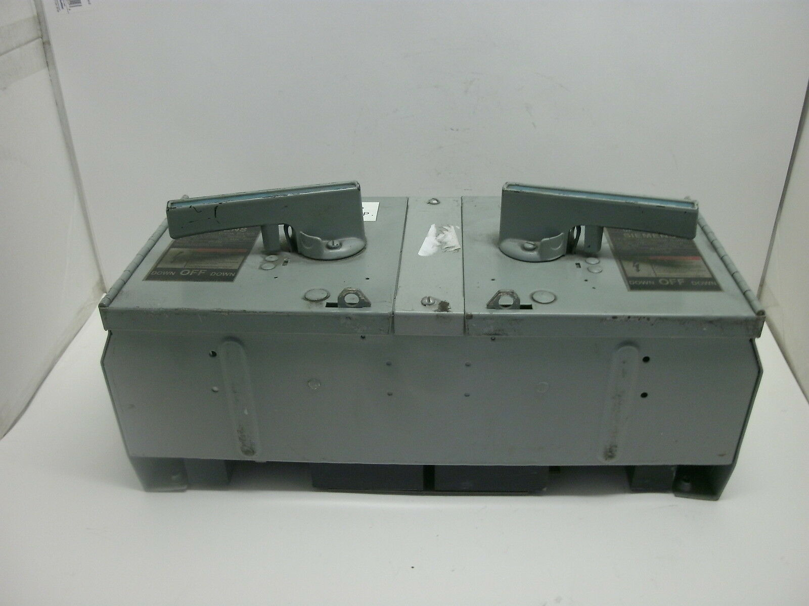 SIEMENS V7E3622 60//60A 600V 3Ph 200K Used Twin