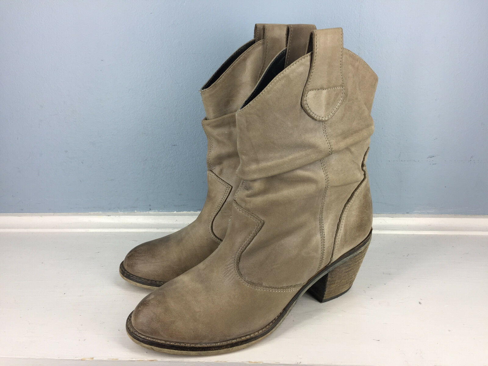 ALDO Tan Brown Leather Ankle Boots 38 7 Excellent Career Casual Scrunch pull on