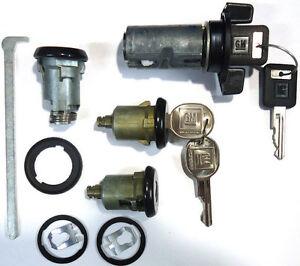 New-GM-Chevy-OEM-Black-Ignition-Doors-Trunk-Lock-Key-Cylinder-Set-With-Keys
