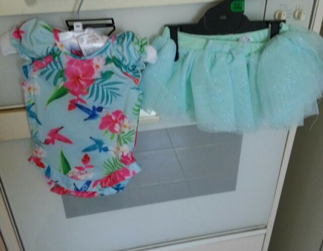 New Toddler girl size 12-18mth.one pc Glitter skirt.Flowery Hot pink +head band