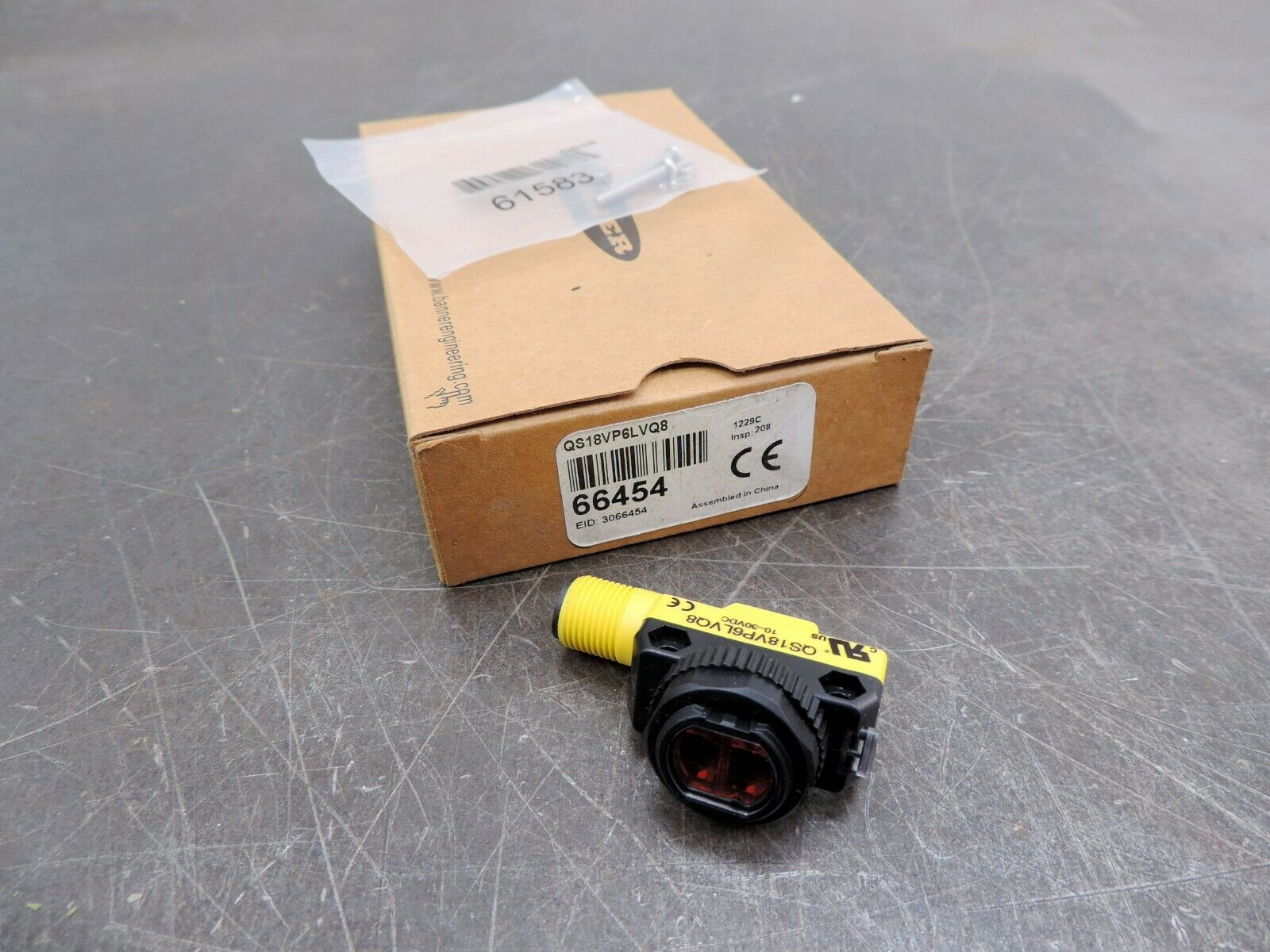 NEW IN BOX CARLING SWITCH 700-BL-XG 700BLXG