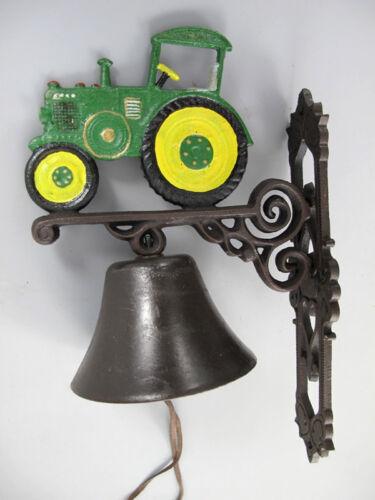 Glocke große Wandglocke Türglocke aus Gusseisen Traktor Trecker grün