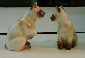 Vintage-SALT-AND-PEPPER-SHAKERS-Porcelain-Siamese-Cats-Standing-Up