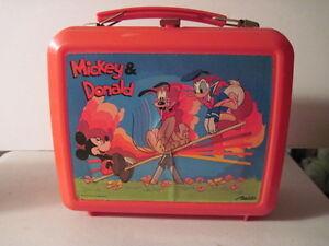 Mickey & Donald Plastic Lunch Box! Walt Disney! (Donald Duck, Mickey Mouse)