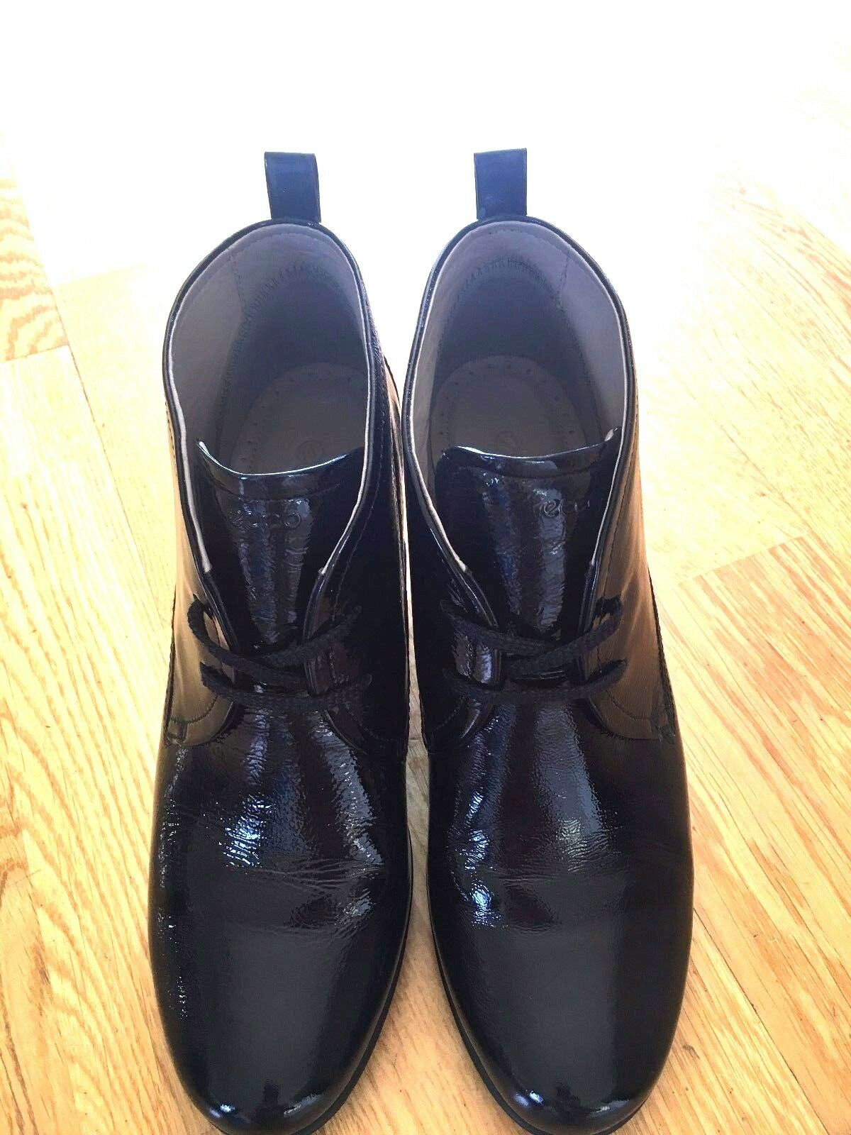 NEW  ECCO BOOTS Size 41