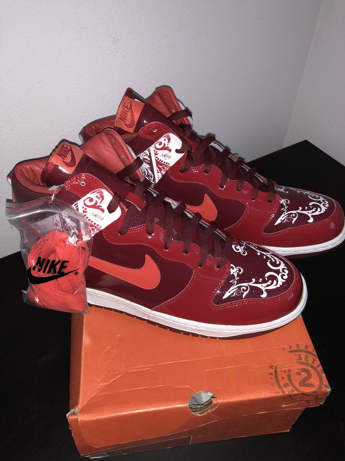 Deadstock Rare Nike Dunk High Dontrelle Willis Red color way. Men's Size 14