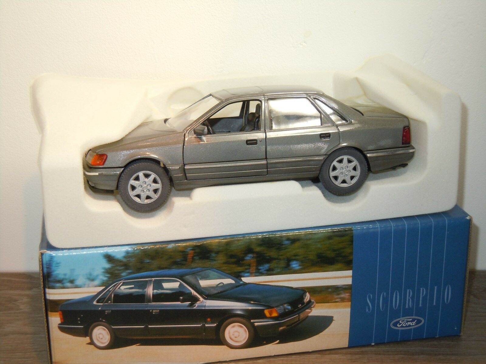 tienda de bajo costo Ford Scorpio Saloon - - - Schabak 1503 Germany 1 25 in Box 33170  Venta barata