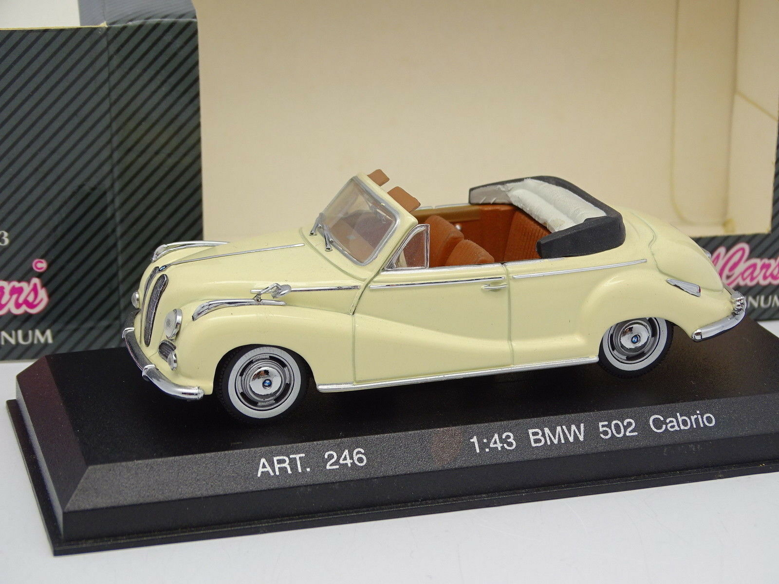 Detail autos 1   43 - bmw 502 cabrio - creme