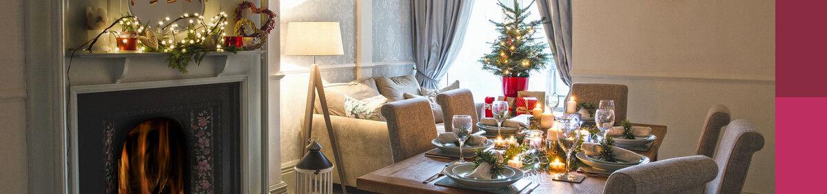 Aktion ansehen Im Esszimmer die Weihnachtszeit einläuten Festliche Einrichtung, Deko-Artikel u.v.m.