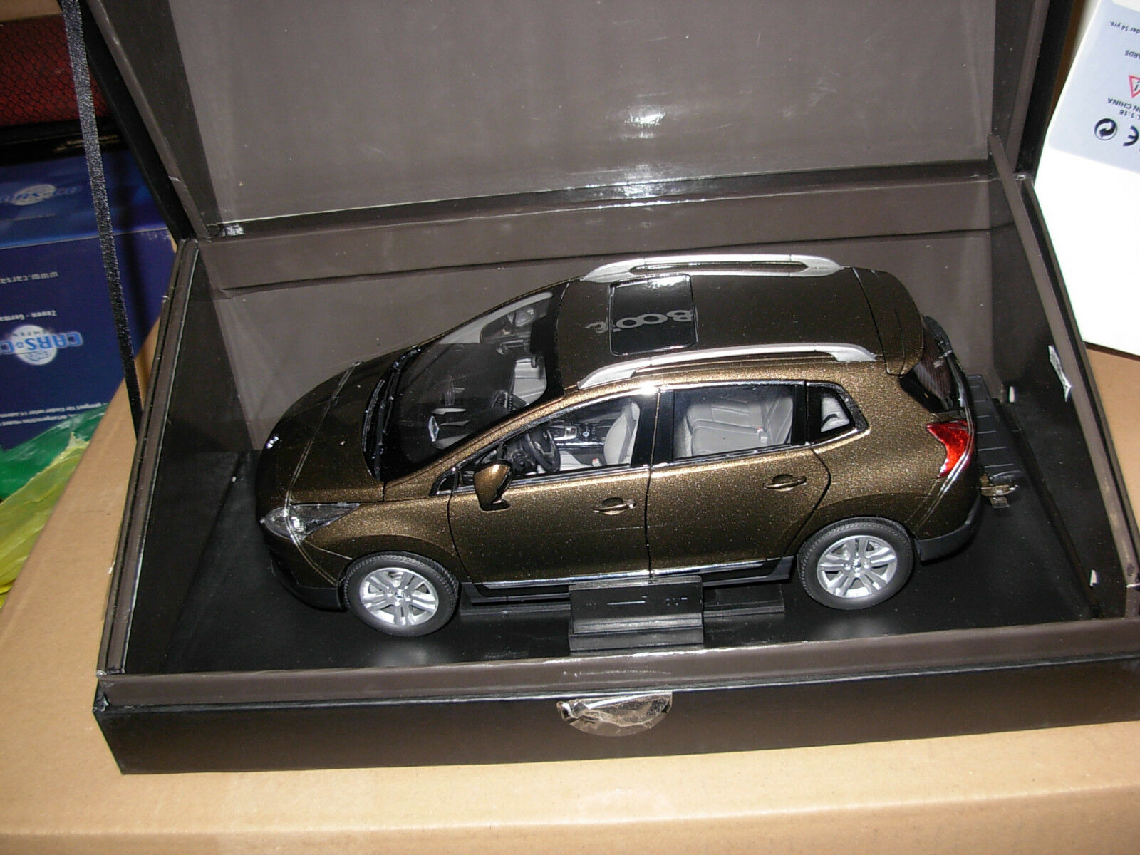 RAR 1 18 PEUGEOT 3008 4x4 off-road crossover Paudi modello di auto model car