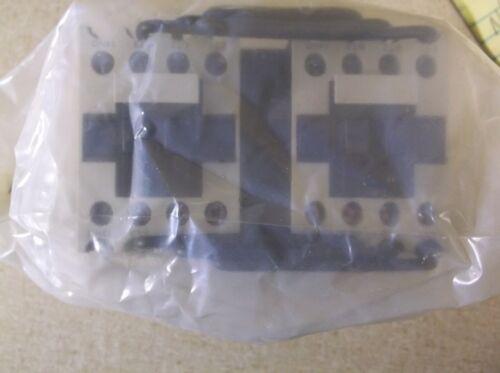 NEW Dayton 2UXN4 IEC Reversing Contactor 3-Pole 12A 240 VAC  *FREE SHIPPING*