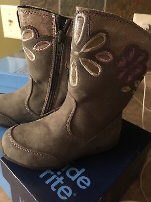 Girl/'s Toddler Surprize by Stride Rite Delrae Faux Fur Trim Boots Gray U3 New!