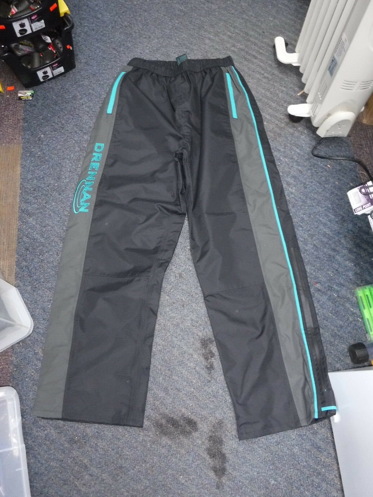 Drennan  Match Waterproof Trousers sz small  a lot of surprises